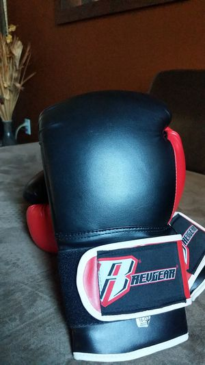 Revgear boxing gloves for Sale in Tracy, CA