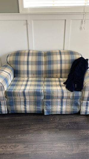 Small couch for Sale in Raleigh, NC