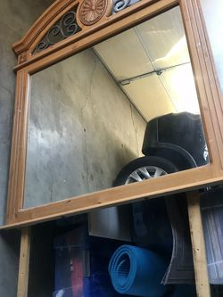 Free Mirror For Dresser With Screws for Sale in Hacienda Heights,  CA