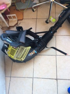 Leaf blower Ryobi, 42CC gas powered 2 cycle backpack 185 MPH for Sale in Las Vegas, NV