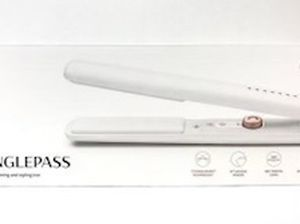 T3 Singlepass 1'' Straightening And Styling Iron for Sale in Santa Ana,  CA