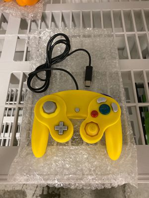Wired NGC Controller for Nintendo GameCube- Yellow (NEW) for Sale in Lockport, NY