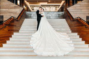 Luxury wedding dress for Sale in Bellevue, WA