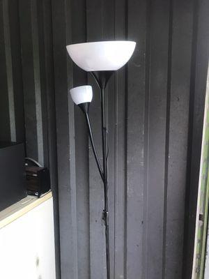 2 bulb lamp for Sale in Atlanta, GA
