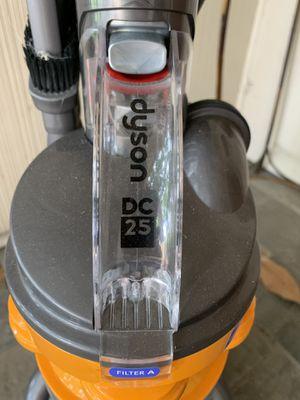 Dyson DC25 ball vacuum for Sale in Dallas, TX