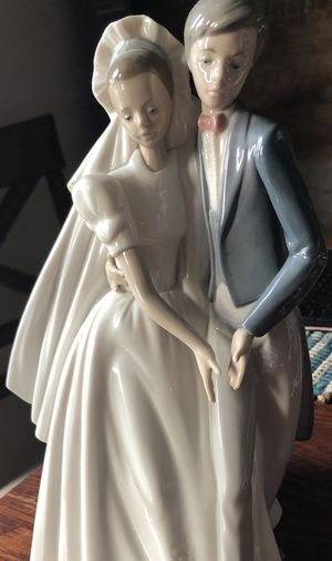Nao Bride and Groom by Lladro for Sale in Bowie, MD