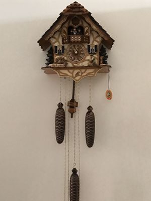 German Black Forest Kissing Lovers 8 Day Musical Chalet Cuckoo Clock, bought it in Germany for Sale in Miramar, FL
