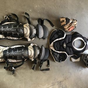Adult Catchers Gear With Bag And Glove Easton for Sale in Riverside, CA