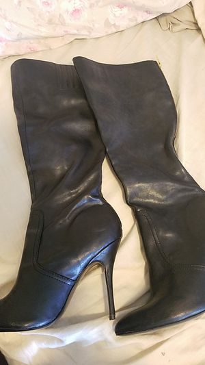 Steve Madden for Sale in Orting, WA