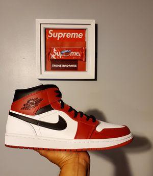 "Jordan 1 "" Chicago "" 2020 Mid sz 10.5 for Sale in Long Beach, CA"