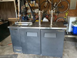 True; model TDD-2CT Beer Cooler has 6 draft beer heads for Sale in Fort Smith, AR