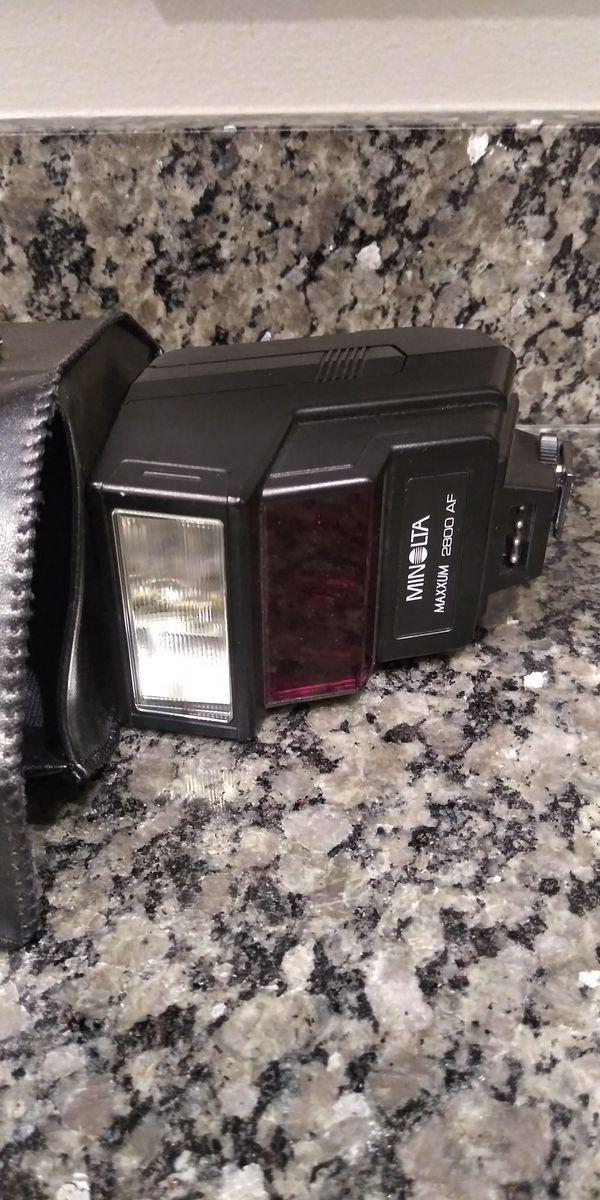 Minolta 2800AF Flash )
