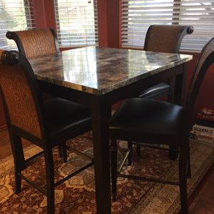 Kitchen Nook Dining Set With 4 Chairs for Sale in Silverado, CA