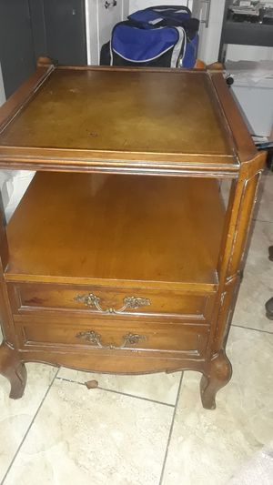 Family room vintage table for Sale in Fresno, CA