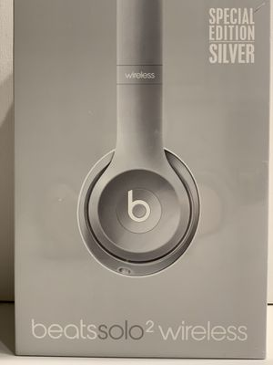Beats Solo2 Wireless Headphones Silver for Sale in Nashville, TN