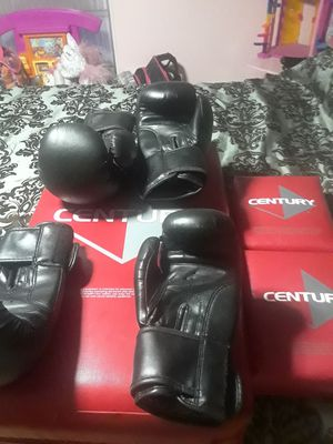 Boxing gloves and pads. for Sale in Fort Lauderdale, FL