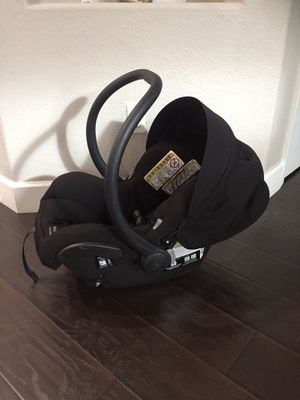 maxi imfant car seat new slightly used for Sale in Glendale, AZ