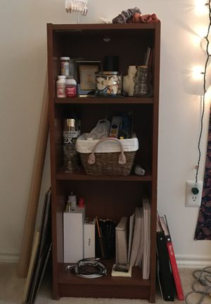 Medium sized bookshelf for Sale in Centreville, VA