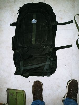 Hiking backpack for Sale in Apple Valley, CA