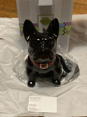 Candle warmer ( Frenchie ) Scentsy wax warmer for Sale in Boston, MA