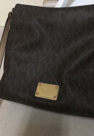 Michael Kors Messenger Bag for Sale in Somerton, AZ