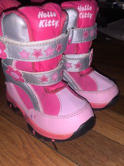 Girls Toddler Snow Boots Hello Kitty for Sale in Los Angeles,  CA