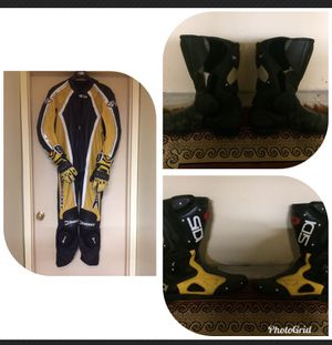 Joe Rocket leather motorcycle suit with gloves and size 11.5 boots for Sale in Shalimar, FL