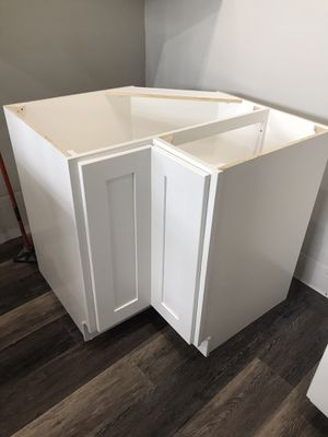 Kitchen cabinets for Sale in Puyallup, WA