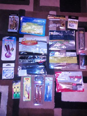 26 piece assorted new fishing lures baits and hooks unopened for Sale in Glen Burnie, MD