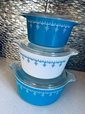 Pyrex-Vintage snowflake design casseroles with lids #473-b, 474-b 475-b for Sale in Portland, OR