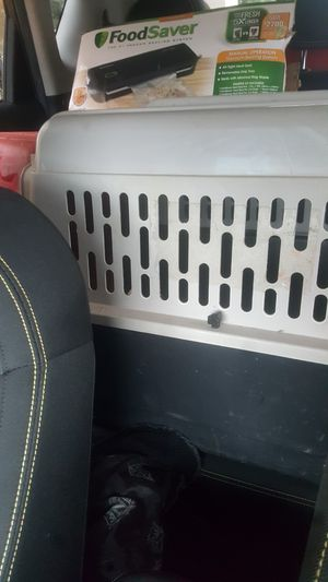 Medium Dog Crate for Sale in Houston, TX