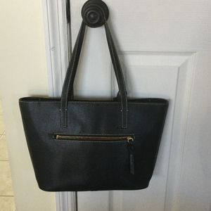 Dooney & Bourke Charleston Shopper for Sale in Middle Island, NY