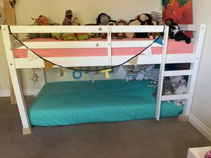 Loft/bunk bed for Sale in Yucca Valley, CA
