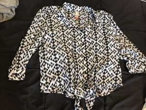 Juniors large black and white tie and button front blouse for Sale in Taylors, SC