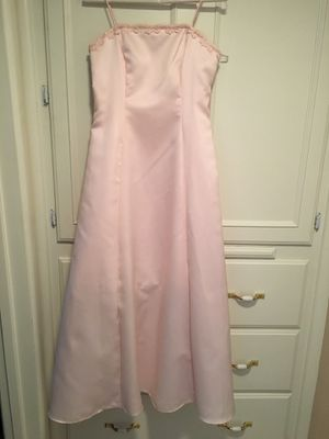 Teenager/woman's pink satin dress/sequins along the top size 6 for Sale in Fresno, CA