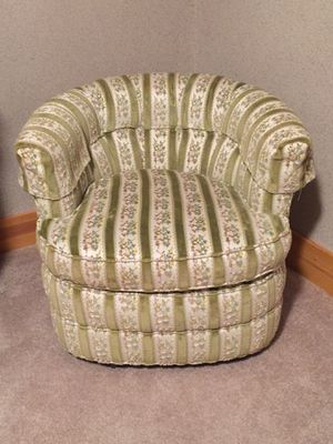 Vintage Barrel chair for Sale in Wellington, CO