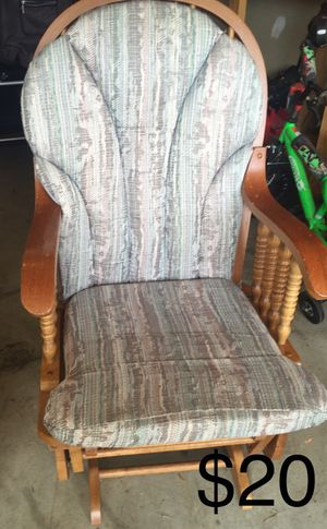 Chair for Sale in Monroe, OH