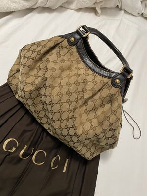 Gucci bag Authentic with dust bag 😍 no rips. Just some light stains inside. for Sale in Riverside, CA