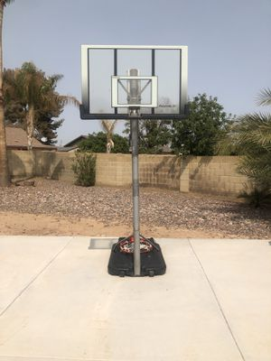 10 foot tall basketball hoop for Sale in Glendale, AZ