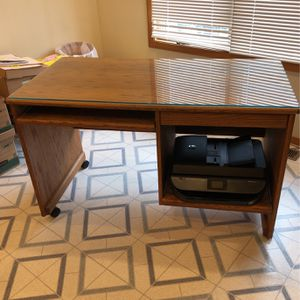 Computer Desk. 48.5Lx25Dx29.5H for Sale in Tigard, OR