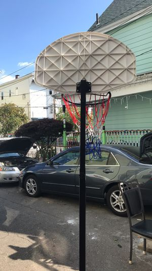 Adjustable basketball hoop for Sale in Lynn, MA