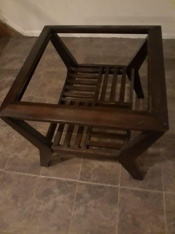 Nice Wood coffee table need glass