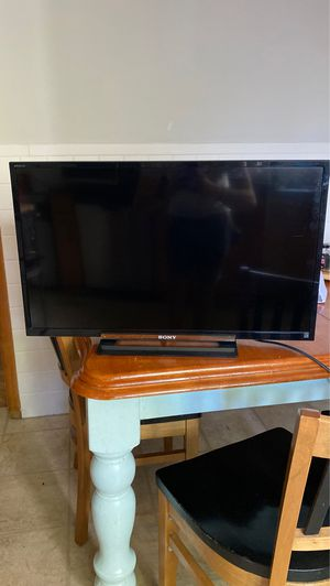 32 inch Sony Bravia TV for Sale in Everett, MA