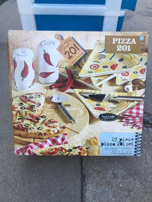 Kitchen pizza service g set for Sale in Westminster, CO