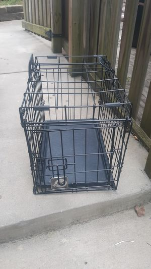 Dog kennel 19 1/2 x 13 for Sale in Charlotte, NC