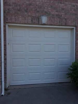 1 car garage door for Sale in Rowlett, TX