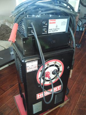 HOBART ACR WELDER MACHINE for Sale in La Palma, CA