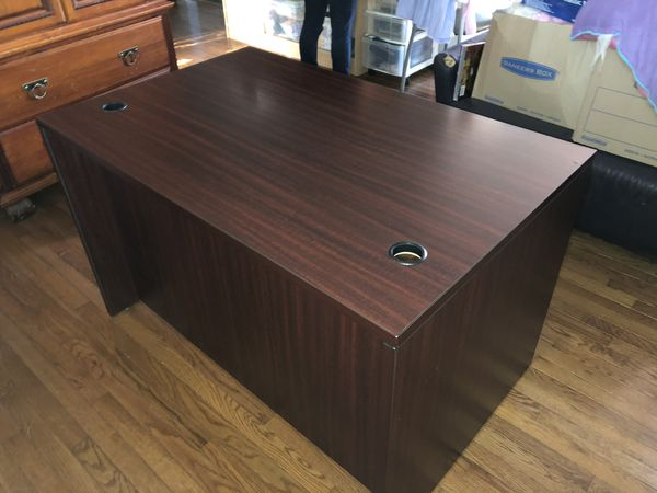 Office Desk- Great Condition
