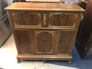 Antique Liquor cabinet for Sale in Forney, TX