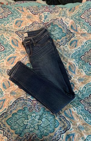 Woman's Hollister Jeans for Sale in Goldsboro, PA